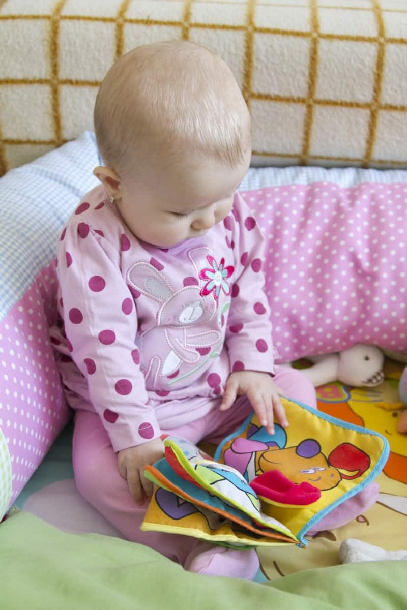 Choosing the right books for baby and toddlers made easy - Ask 4 easy questions