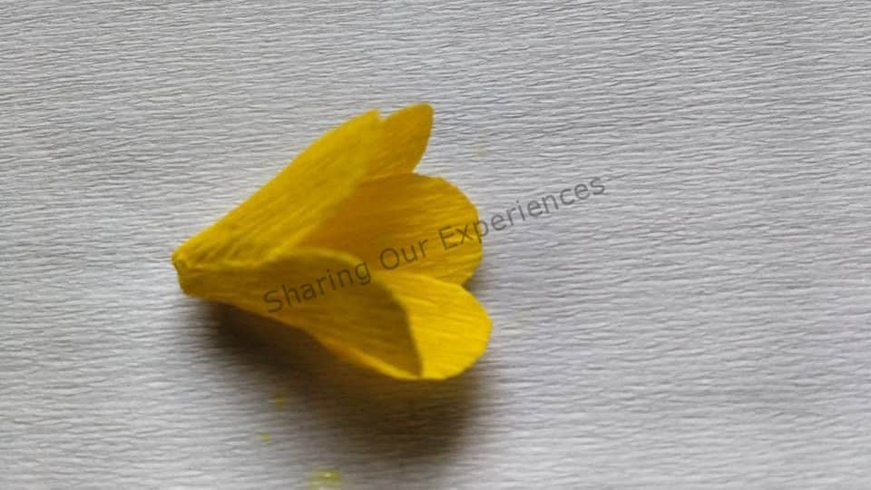 how to make crepe paper flowers step by step easy