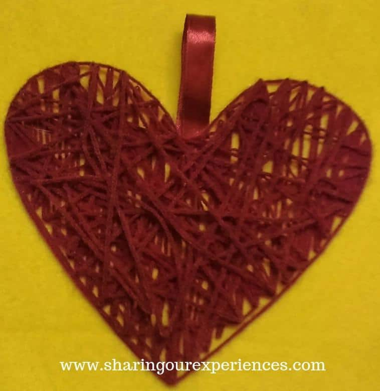 16 heart shaped wall hanging Vlentins day crafts