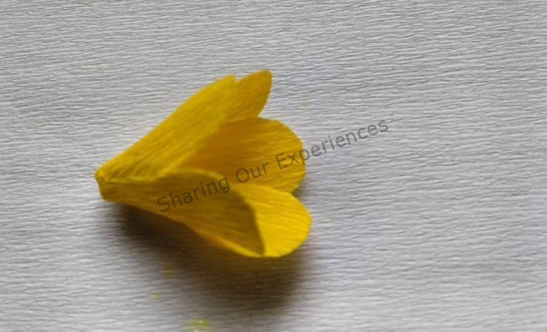 How to make easy crepe paper flowers previous next mightylinksfo